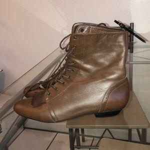 Crowne Vintage Browne Booties Boots